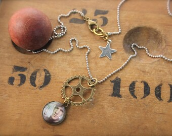 Doctor Who Matt Smith Inspired Gear Necklace SALE!
