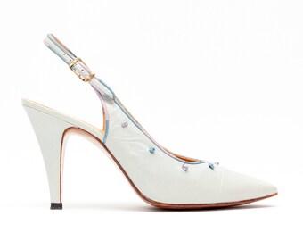 Rosina Ferragamo Schiavone • Vintage Shoes • Slingback Pumps in Light Blue Leather w/ Knot Details • Modern Designer Vintage • Size 8