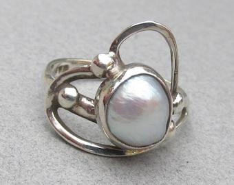 Modern Design Blister Pearl Sterling Silver Vintage 1980's Ring, Size 7
