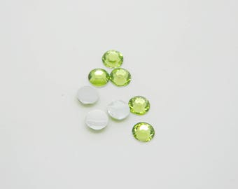 95 x 5mm Green round rhinestone (l1154)