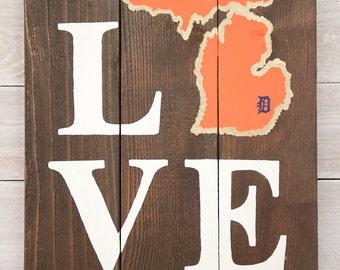 LOVE Detroit Tigers Michigan Wooden Sign