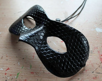 Honeycomb/Plain black leather mask - Made to Order
