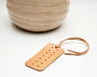 Earring holder // Veg tanned leather travel earring holder