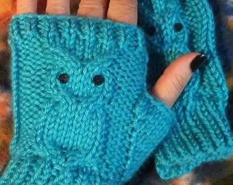 Owl fingerless mitts knit pattern