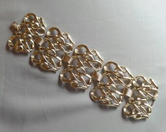 Vintage SARAH COVENTRY Light Gold Tone Wide Band Bracelet