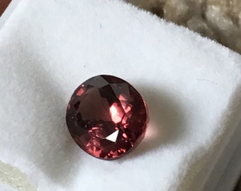 Red Spinel Oval 2.00 ct