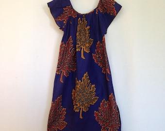 1970s navy oversized leaf print dress