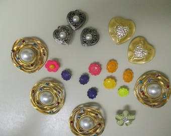 vintage costume jewelry  / lot of buttons