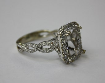 Gorgeous Engagement diamond setting , 18 k white gold, 8.9 gr . No center stone .