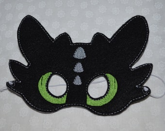 Toothless inspired felt mask