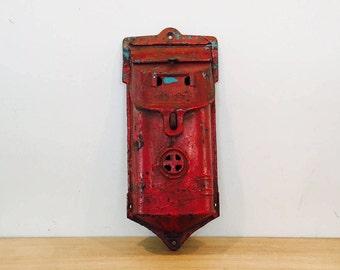 Vintage Griswold Cast Iron Mailbox Model 106 Antique Old Metal Mail Box Primitive