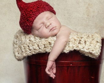 KISS HAT for BABY, Premie to Toddler in Red or Pink Yarn, Photography Prop