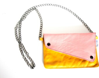 Different Angled - Pink/Yellow