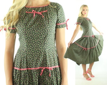 Vintage 50s Floral Dress Full Skirt Short Sleeves Pink Green Black Cotton 1950s Medium M Pinup Rockabilly