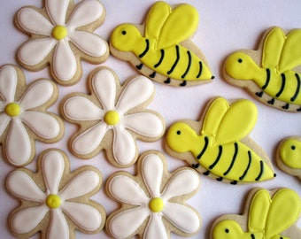 FLOWER and BEE Sugar COOKIES, Birthday Party Favors, 1 Dozen