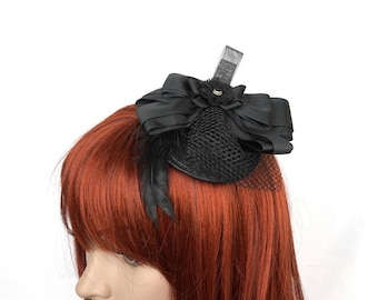 Gothic Fascinator with loop and power supply
