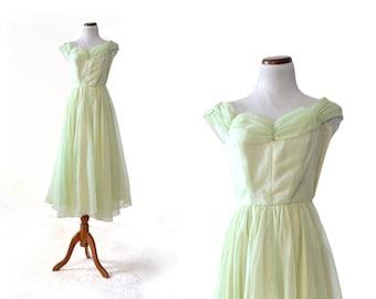40s Prom Dress / Green Dress / 1940s Dress / Girls Gown  XS Dress Women Clothing Dress 50s Vintage Clothing Dress Prom  Evening Formal Dress