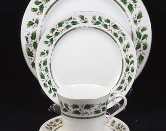 Royal Limited Holly Holiday One (1) Four Piece Place Setting Dinner Plate, Salad Plate, Cup & Saucer Japan Last Set