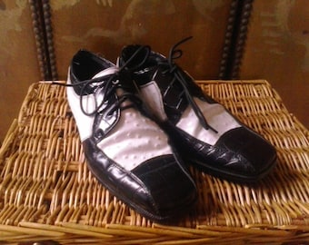 90s black and white leather Stacy Adams oxford shoes