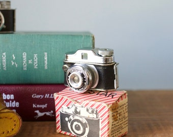 Rare Vintage 1950s Japan Subminiature Crystar Spy Camera with Box