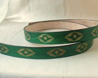 Leather belt 3 cm green, tooled 2
