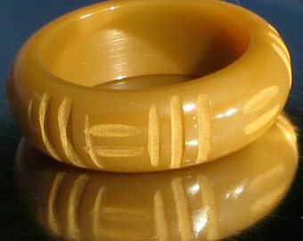 Bakelite Ring Carved Antique Finger Modernist Estate Jewelry Boho Chic Caramel Catalin Butterscotch Unique Art Deco Size 5.25 - 5.5 UK K 1/2