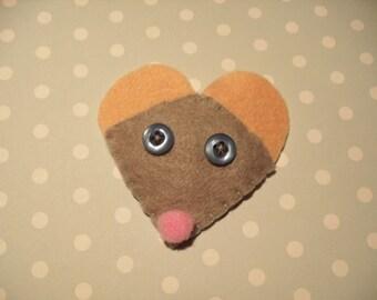 Felt mouse brooch