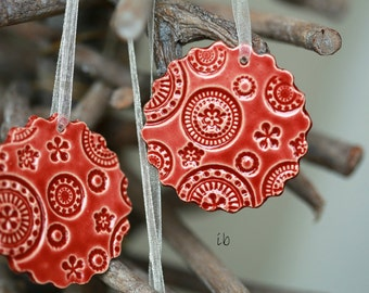 Red Lace Ceramic Ornament, 3 Christmas Ornaments, Red Scallop Home Decor Gift,  Red Christmas Gift Lace Pottery Red Christmas tree ornament