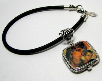 Photo Charm on a Black Rubber Bracelet - Small - FP3FfRB