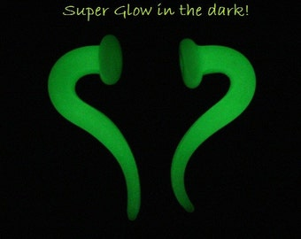 Super Glow in the Dark Talons snug 2g gauged ear plugs earrings talons for stretched piercings