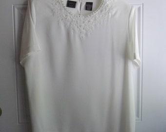 White Short Sleeve Blouse by Laura Scott, Size Large