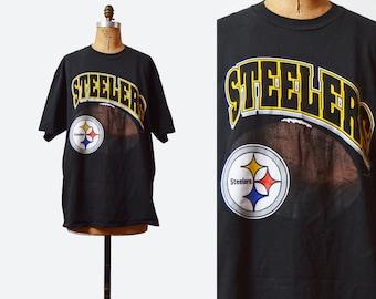 Vintage 90s Football Shirt PITTSBURGH STEELERS TShirt / 1990s American Football T Shirt Retro Tee Sports Top Graphic Medium Large