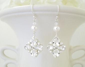 Vintage style bridal earrings, Crystal wedding earrings, Rhinestone and pearl dangle earrings, Swarovski earrings, Bridesmaid earrings