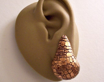 Monet Mosaic Imprinted Teardop Hoop Clip On Earrings Copper Tone Vintage Extra Long Wide Graduated Drop Band Dangles Comfort Paddles