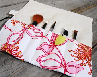 Makeup Brush Roll, Cosmetic Brush Roll - Pink Floral