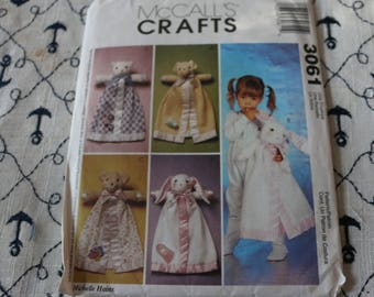 30 Pattern McCall's Crafts 3061 Cute Animal Blankets for baby
