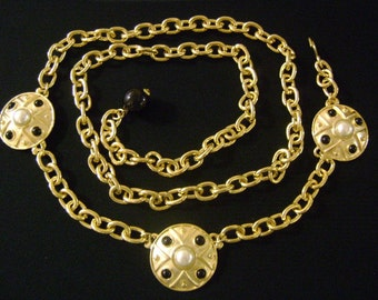 Gold Tone Faux Pearls and Black Cabochon/Glass/Plastic Link Chain Etruscan Style Medallions 2in1 Combination Adjustable Belt Runway Necklace