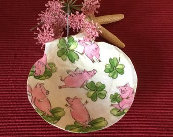 When Pigs Fly Ornament, Fying Pigs Ornament, Pig Ornament, Four Leaf Clovers, Painted Shell Ornament, Pig Lovers Gift, Christmas Decor
