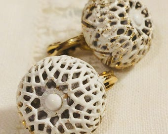 Monet Vintage Lace Look Openwork Bubble Ball Clipon Earrings