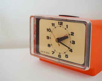 Good-old-electric retro alarm clock vintage space age