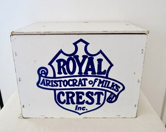 Vintage Royal Crest Aristocrat of Milks Large White Wood Milk Dairy Bottle Box Crate