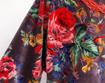 Pullover tunic in grey cotton velvet, boat neck, pink flower motifs