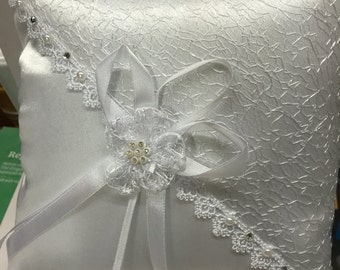 WHITE RING PILLOW Satin and Lace