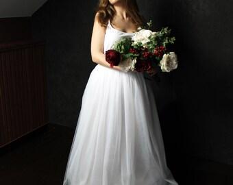 White tulle skirt, bridesmaid skirt, tulle skirt, bridal gown, wedding dress