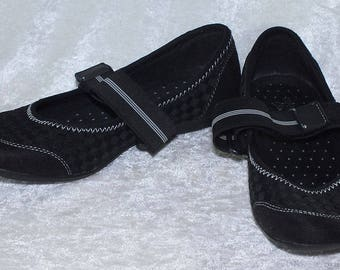 Piper & Blue Slip On Mary Jane Style Shoes - Size 5 - Used