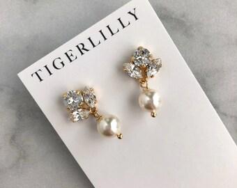 Gold wedding earrings - pearl drop earrings - bridesmaids earrings - simple pearl drop earrings - Emma earrings