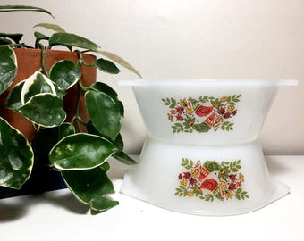 Vintage French Arcopal Bird Bowls - Set of Two