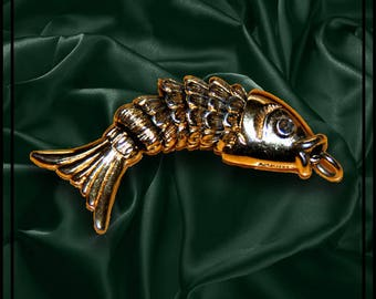 "Monet's Gold Fish Charm App. 1-1/4"""