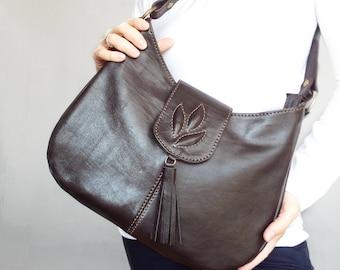 Brown leather shoulder bag. Medium size leather bag. Coffee brown leather hobo bag, embossed decor.