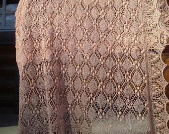 "Hand knitted Haapsalu shawl ""Cube pattern"", traditional Estonian lace, 100% merino. Peach pink. Ready to ship."